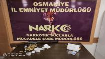 Sokak satıcılarına yönelik operasyonda 2 kişi tutuklandı