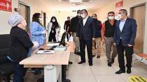 Sağlık çalışanlarına Tıp Bayramı ziyareti